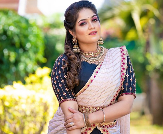 Meghana Raj Wiki Husband Height Age Family Biography More Famous People Wiki